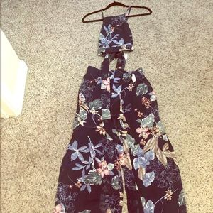 2 piece flower set NEW WITH TAGS